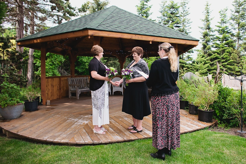 elopement ceremony at sooke harbour house